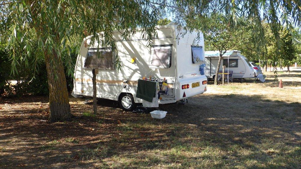 Aire camping-car à Calmont (31560) - Photo 2